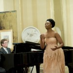 09 - Il Maestro James Vaughan e la soprano Pretty Yende
