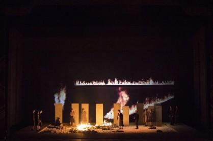 Un'immagine dalle prove di scena del Nabucco (foto Teatro alla Scala)