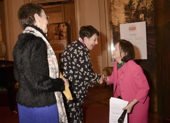 Margherita Palli, Odette Nicoletti che saluta Anna Crespi (foto Gerry Pizzocari)